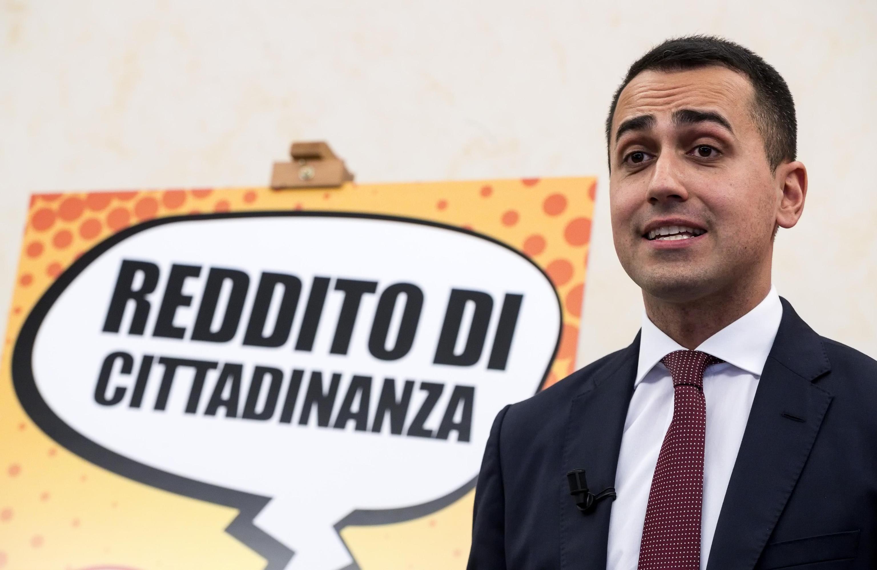 Recessione, Luigi Di Maio accusa i governi precedenti: 'Hanno mentito sulla fine della crisi'