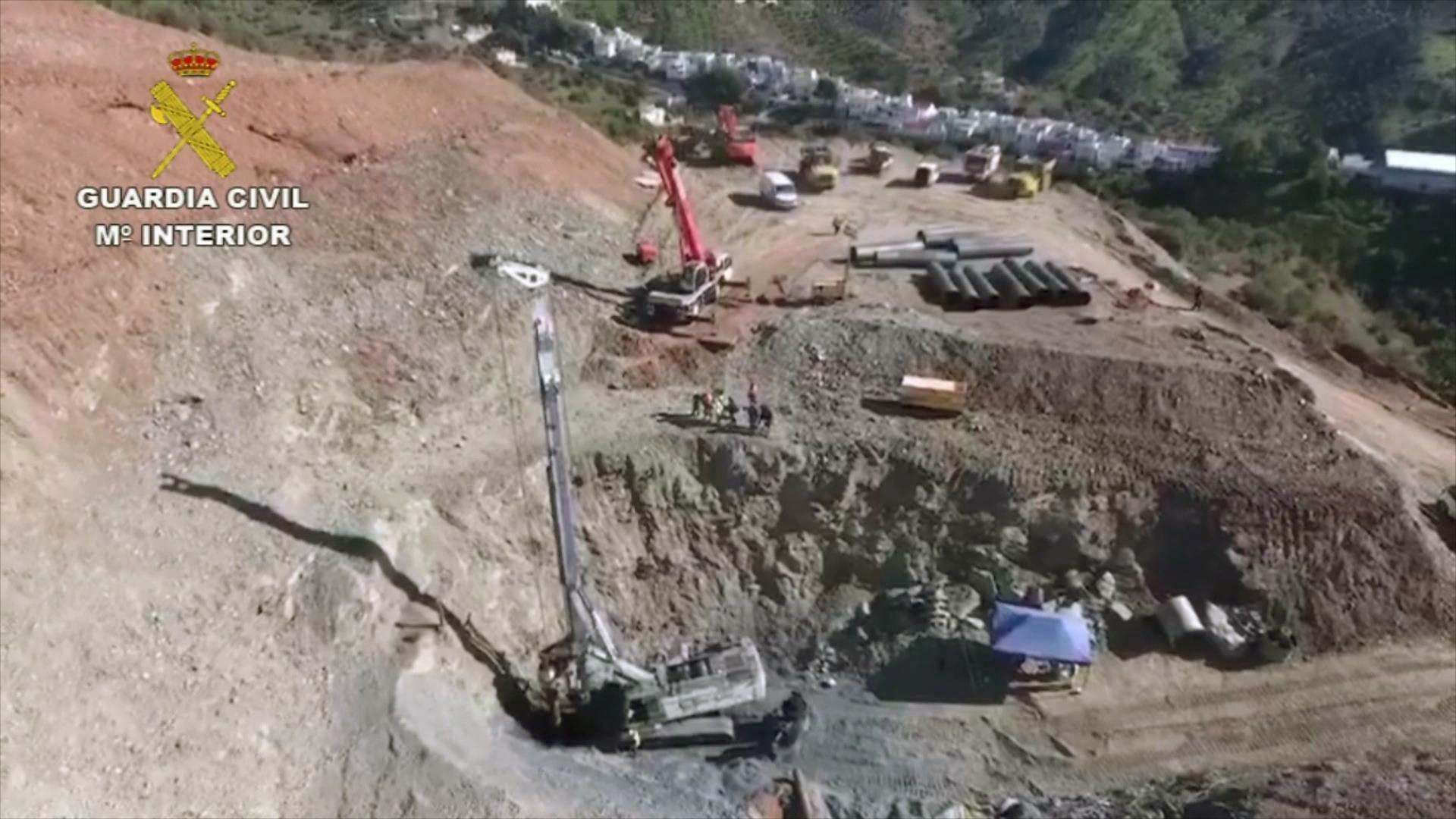 Spagna, bimbo caduto nel pozzo: Julen potrebbe essere vivo
