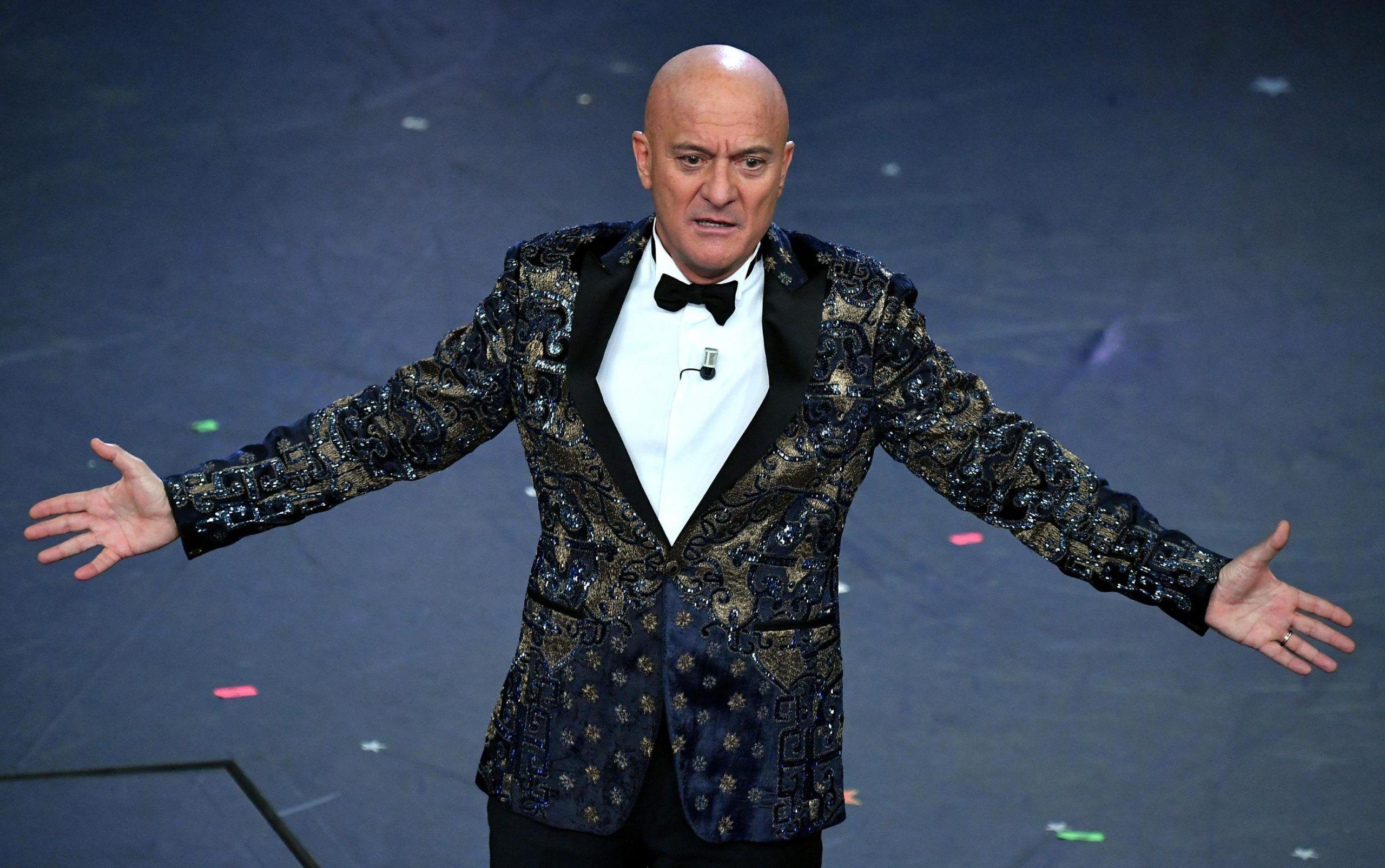 Sanremo 2019, il web insorge per il monologo di Claudio Bisio: 'Razzista'