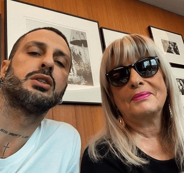 Fabrizio Corona fa pace con mamma Gabriella: 'Certi amori non finiscono'