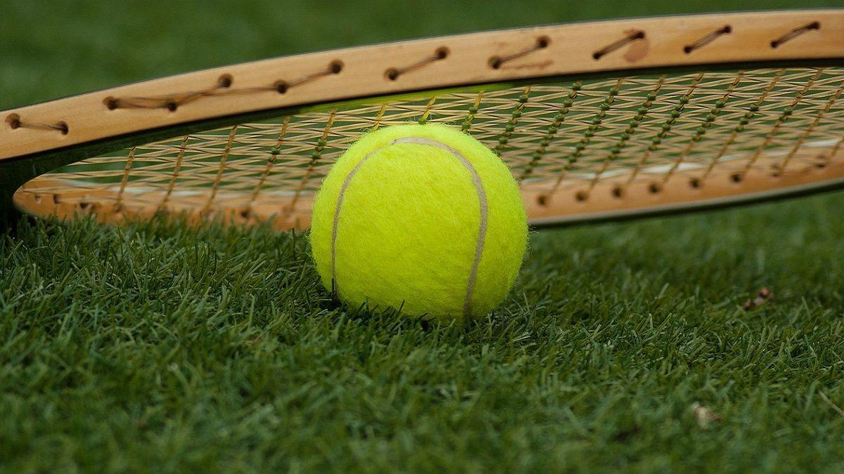 Maestro di tennis si accascia a terra e muore: Alessio Carmagnini aveva 21 anni