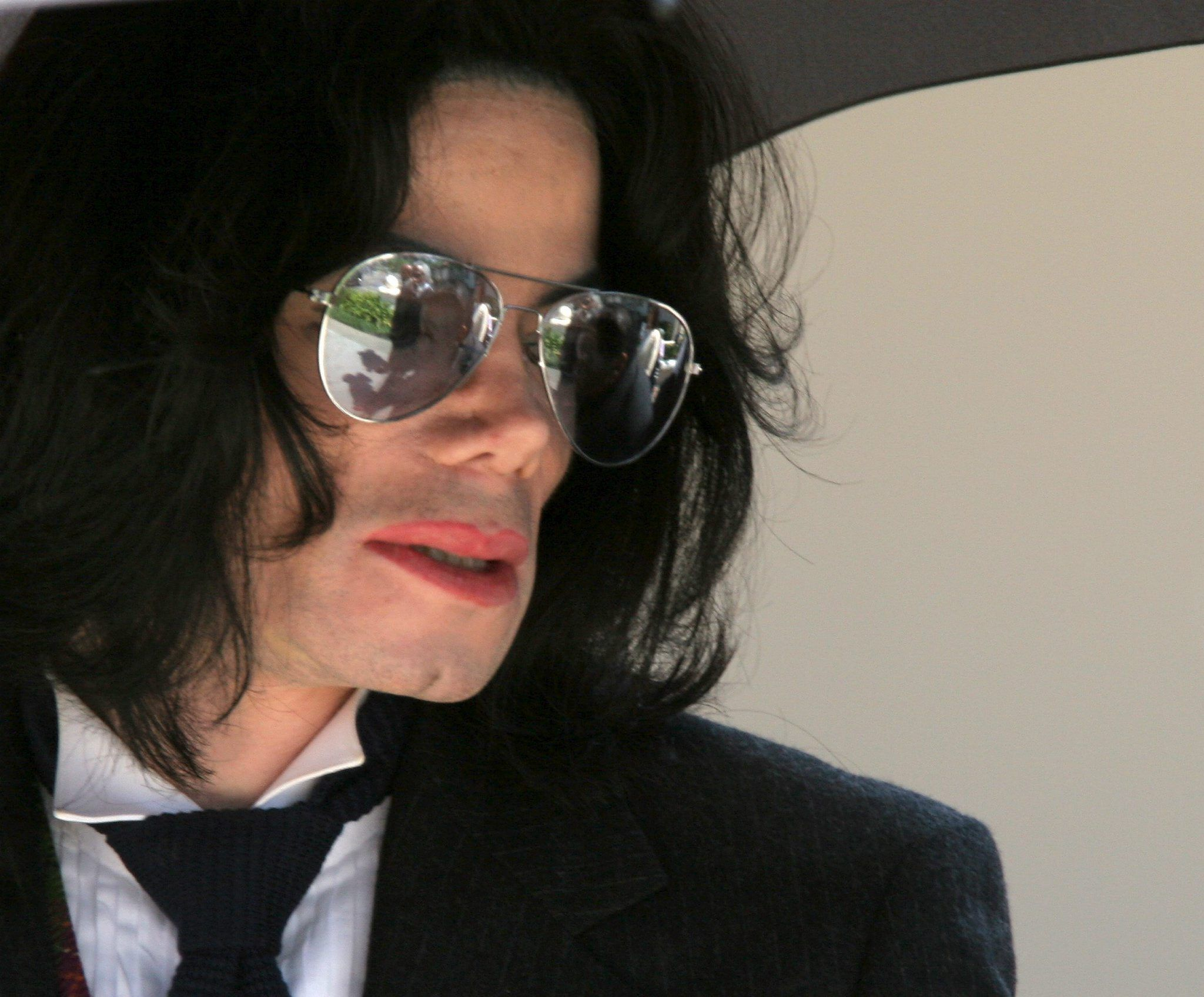 Michael Jackson, l'ex governante: 'Un pedofilo predatore, ho trovato biancheria intima per bambini nella sua jacuzzi'