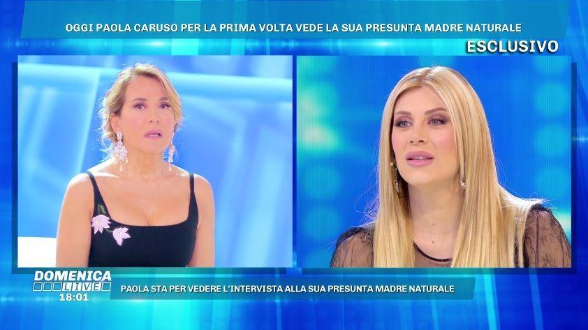 Domenica Live, Paola Caruso ritrova la madre biologica: 'Farò il test del dna'