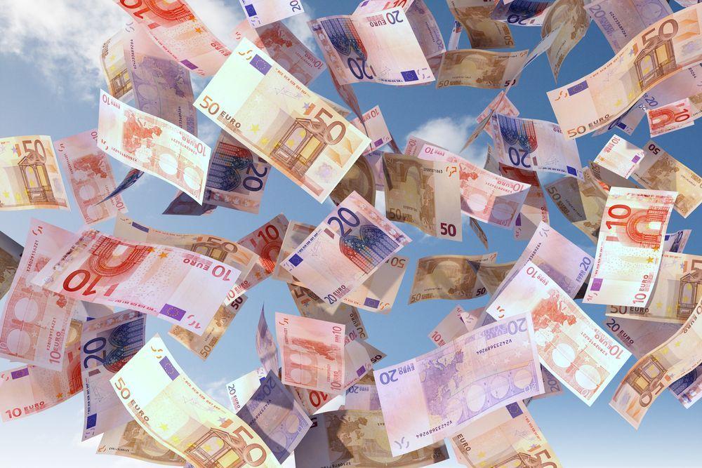Messina, anziano trova nella spazzatura buoni fruttiferi per 1,5 milioni di euro