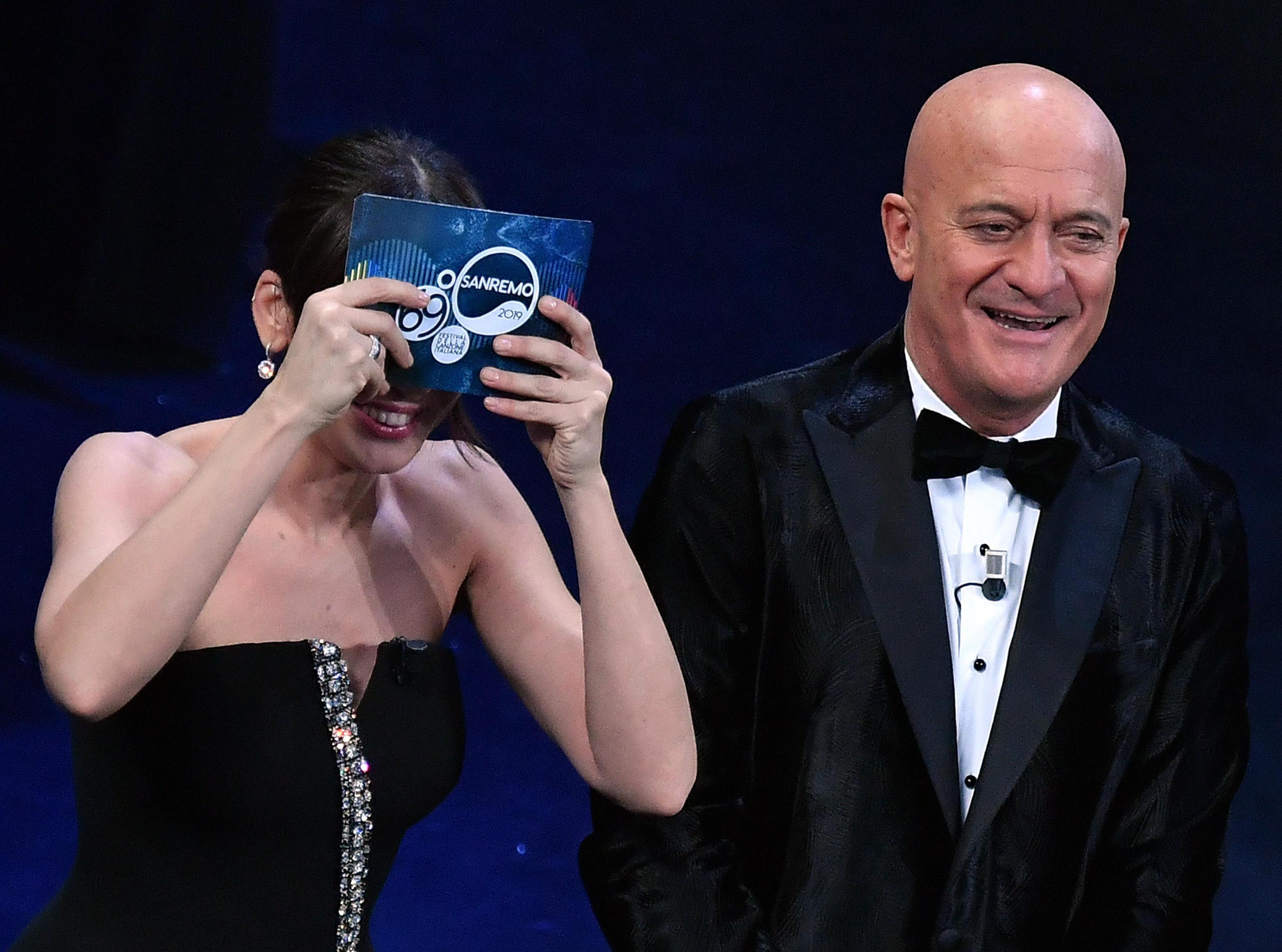 Sanremo 2019, la gaffe di Virginia Raffaele: 'Salutiamo i Casamonica'