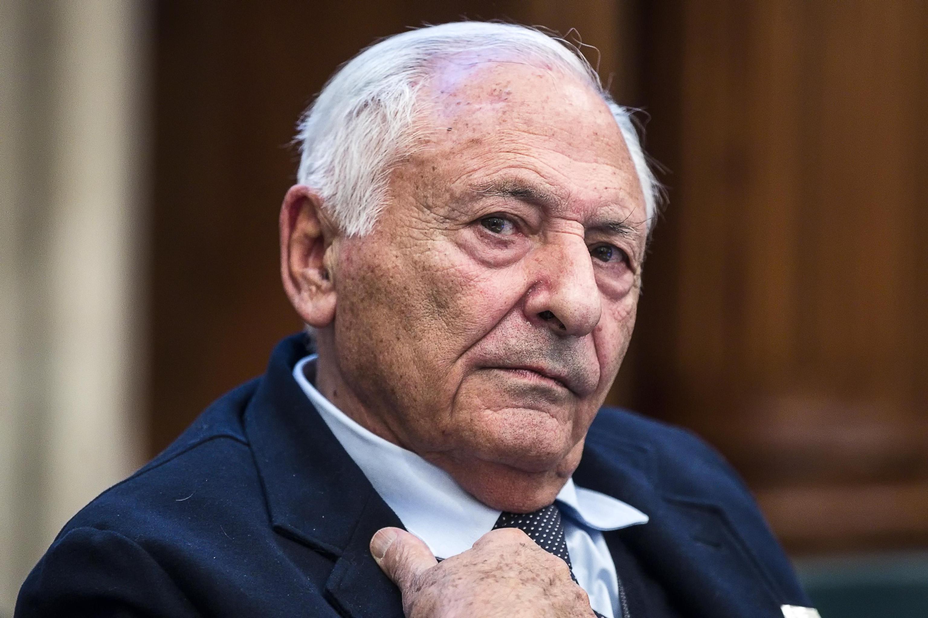Radio sovranista: Mogol dice sì alla proposta della Lega