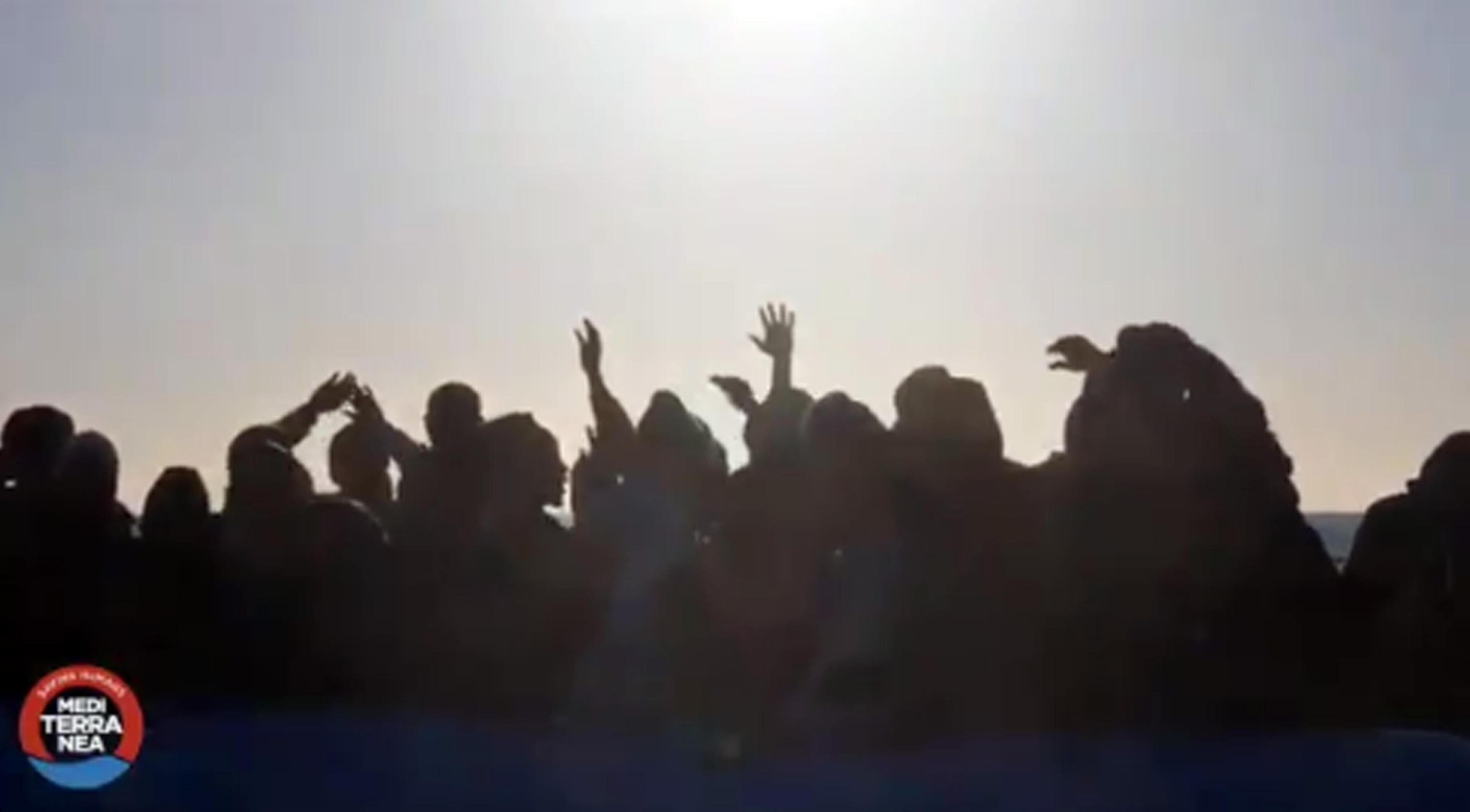 La nave Mare Jonio disobbedisce alle autorità e chiede lo sbarco a Lampedusa