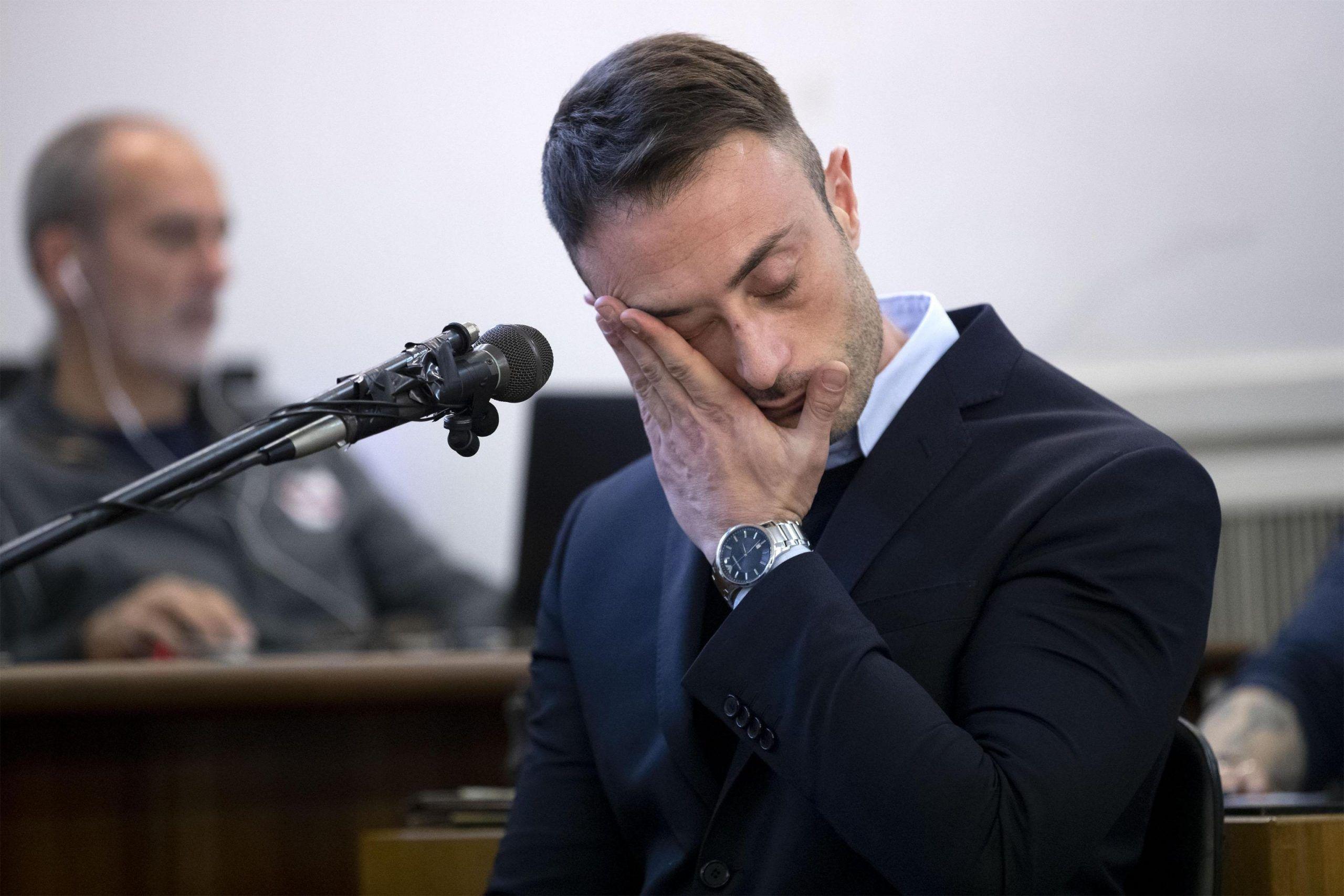 Caso Cucchi, il superteste Francesco Tedesco stringe la mano a Ilaria Cucchi