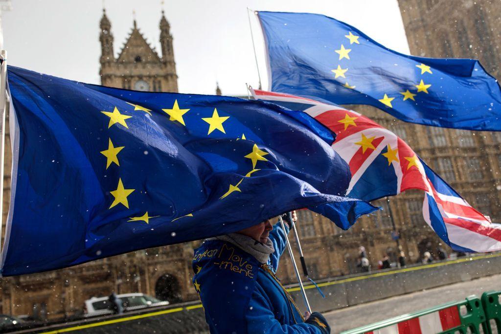 Brexit nuovo rinvio: il Parlamento inglese stoppa l'accordo