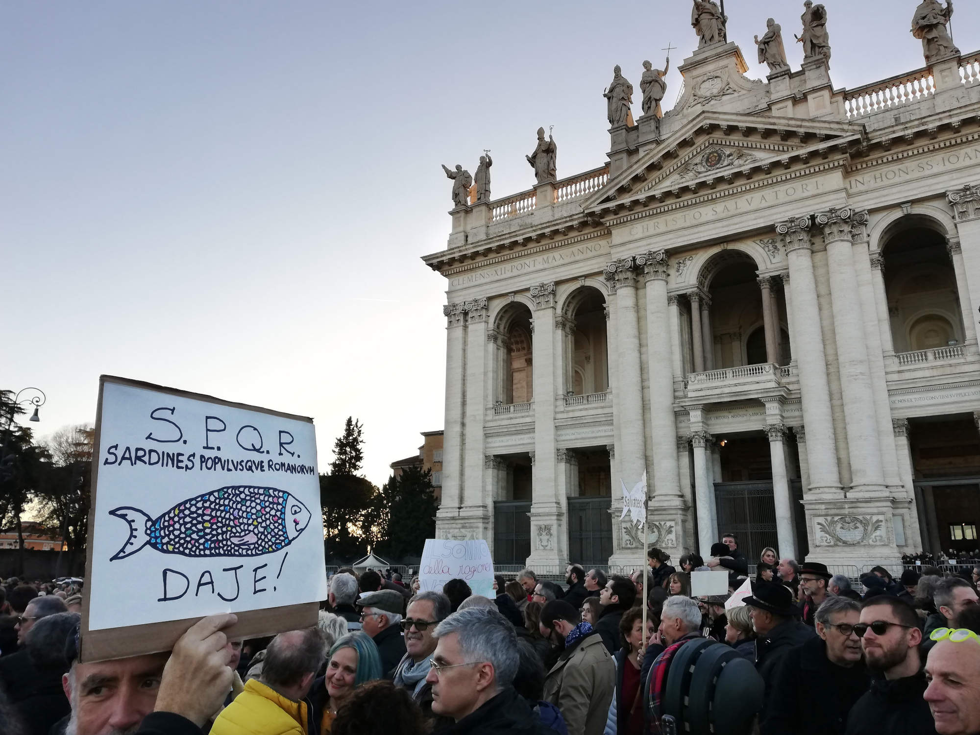 Sardine Roma: invasa piazza San Giovanni
