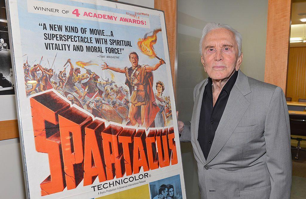 Muore Kirk Douglas a 103 anni: ricordiamolo con 5 film