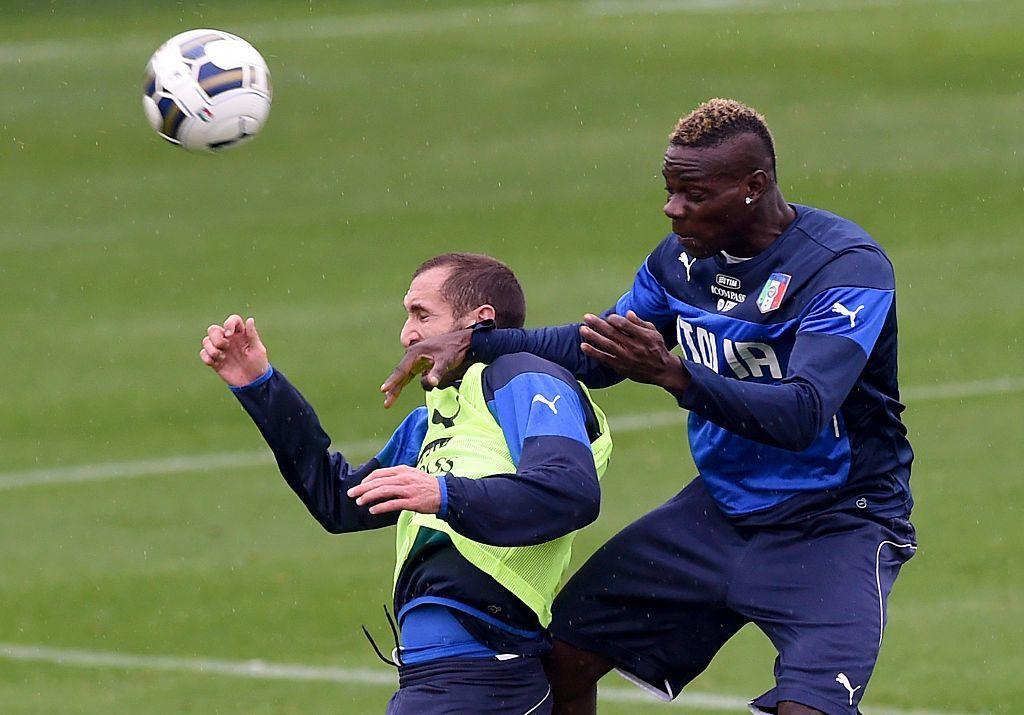 """Balotelli risponde a Chiellini: """"Non sei un uomo"""""""