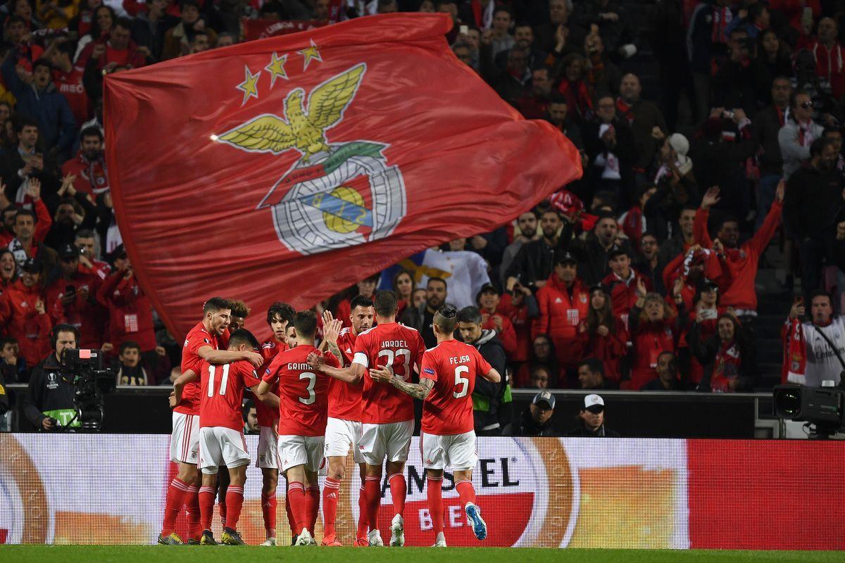 i giocatori del Benfica