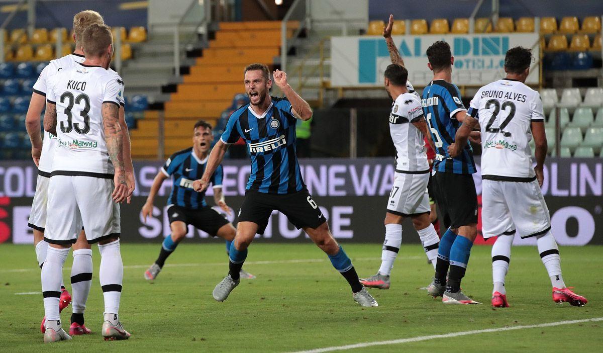 Serie A: l'Inter soffre ma sbanca Parma, vincono anche Napoli e Atalanta