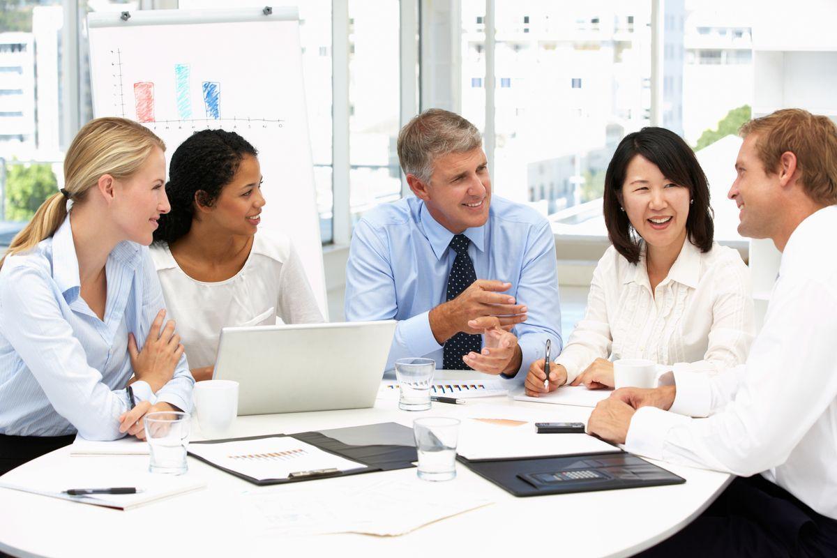 una riunione di lavoro in azienda