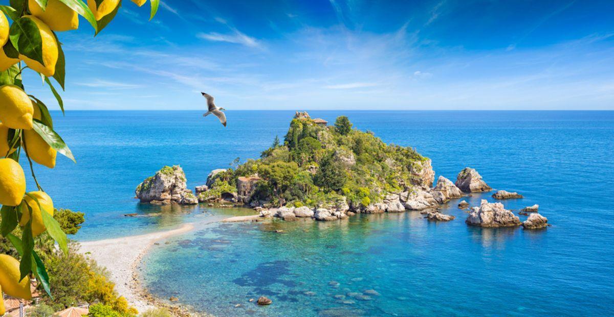 Vacanze estive 2020, le regioni con obbligo di registrazione