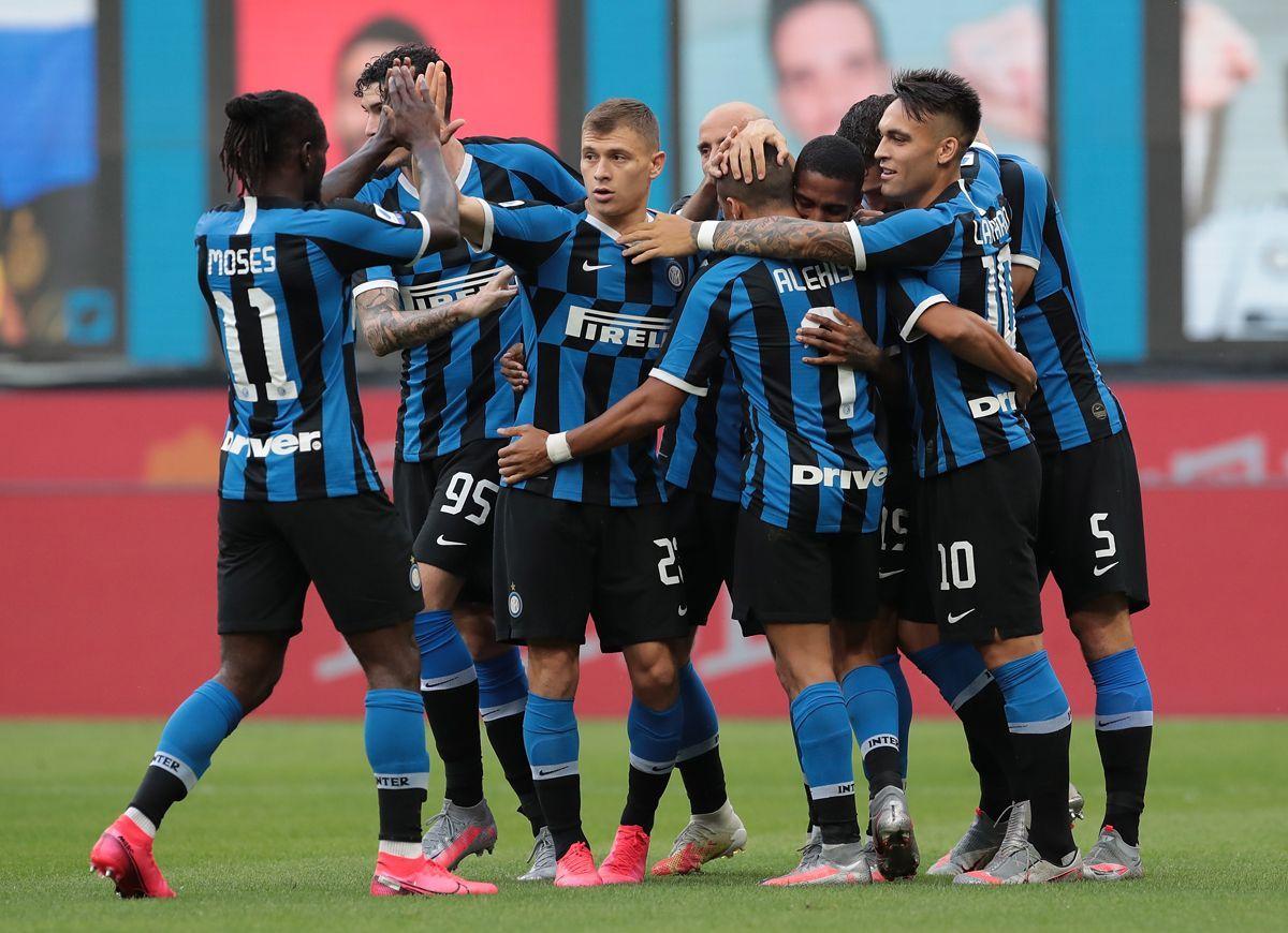 I giocatori dell'Inter esultano