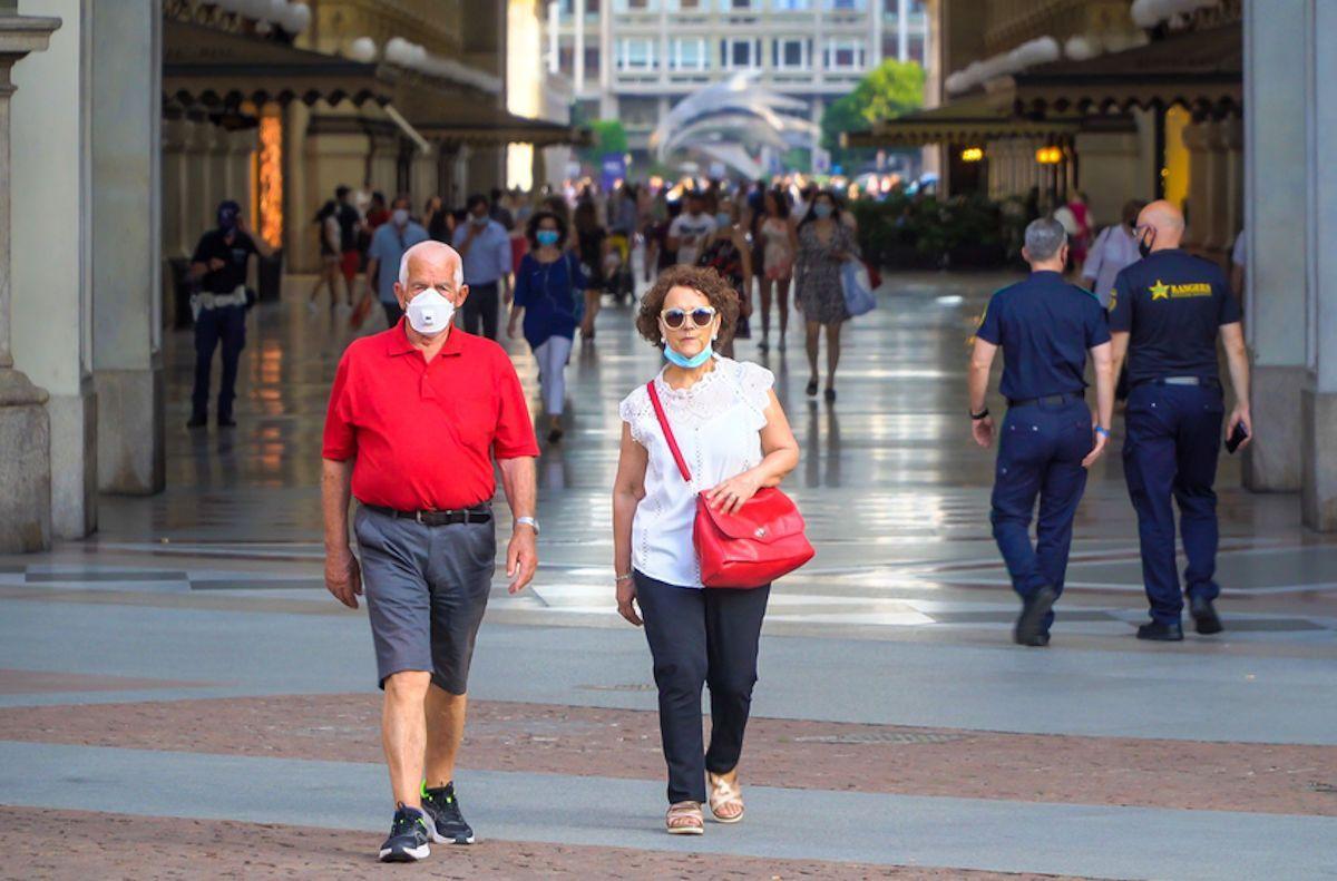 Coronavirus, Lombardia: stop mascherine all'aperto (se si rispetta la distanza)