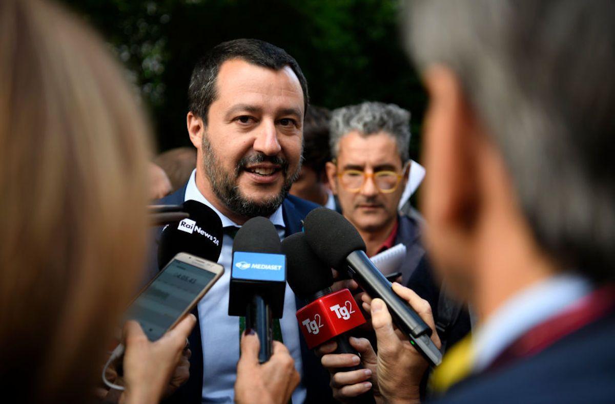 Open Arms, Salvini a processo: 'Mi girano le p… ma sono tranquillo'