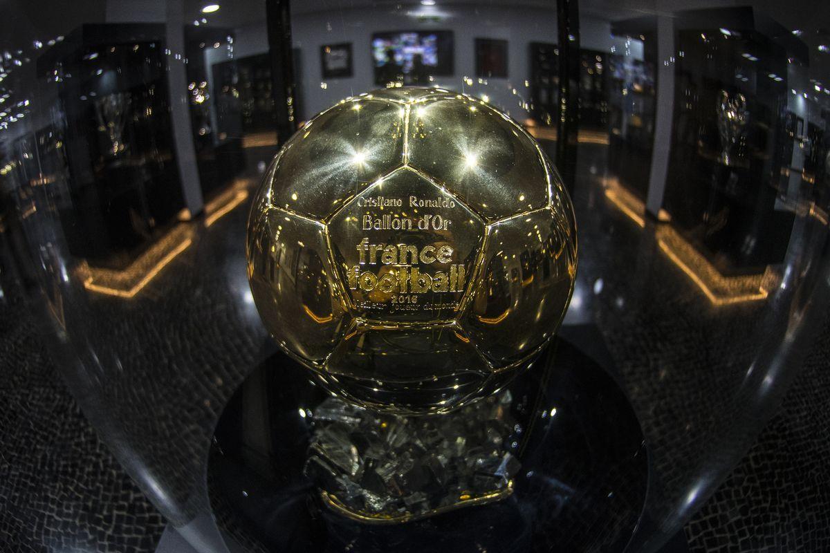 Pallone d'Oro, nel 2020 non sarà assegnato
