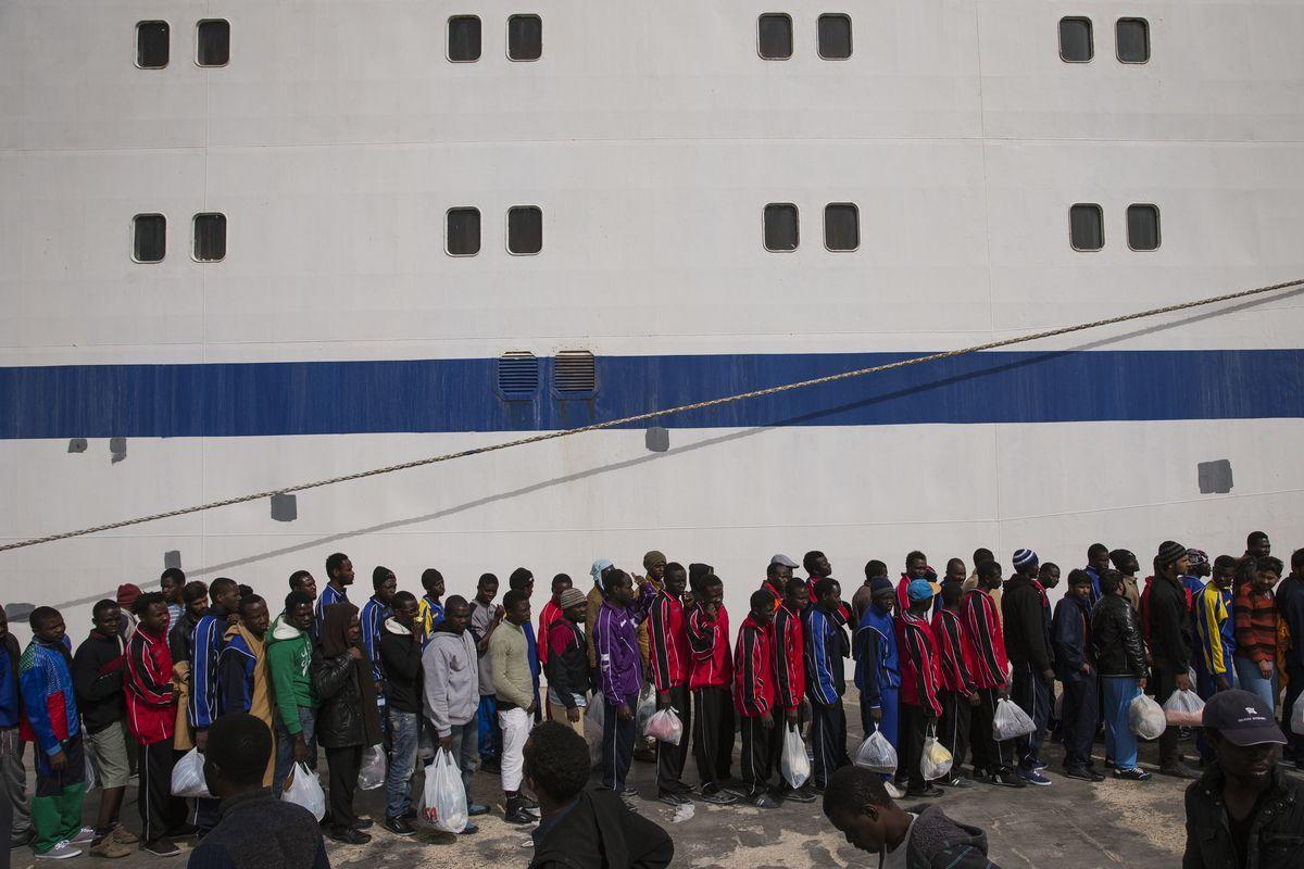 """Migranti, nuovi sbarchi a Lampedusa. Il premier Conte: """"No a ingressi irregolari"""""""