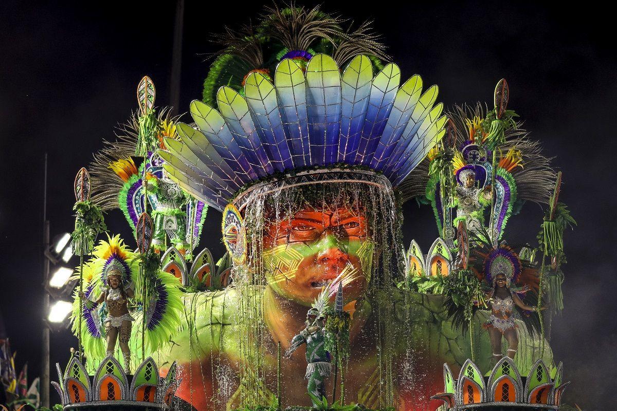 Coronavirus, Brasile: rinviato il carnevale di Rio de Janeiro