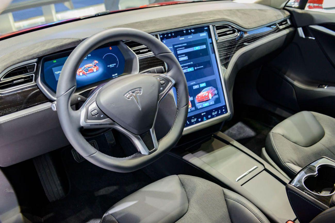 Tesla annuncia la nuova super batteria. Presto anche un'auto elettrica da 25.000 dollari