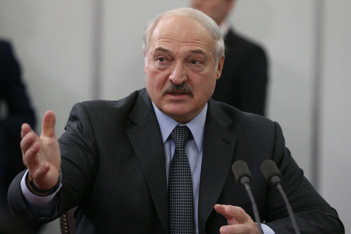 Aereo dirottato su Minsk: ordine di Lukashenko per arrestare il giornalista Roman Protasevich