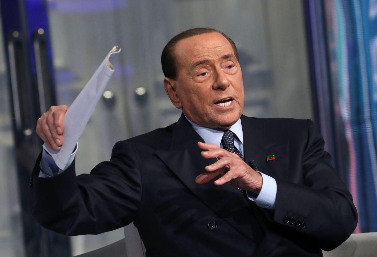Silvio Berlusconi ricoverato al San Raffaele per Covid