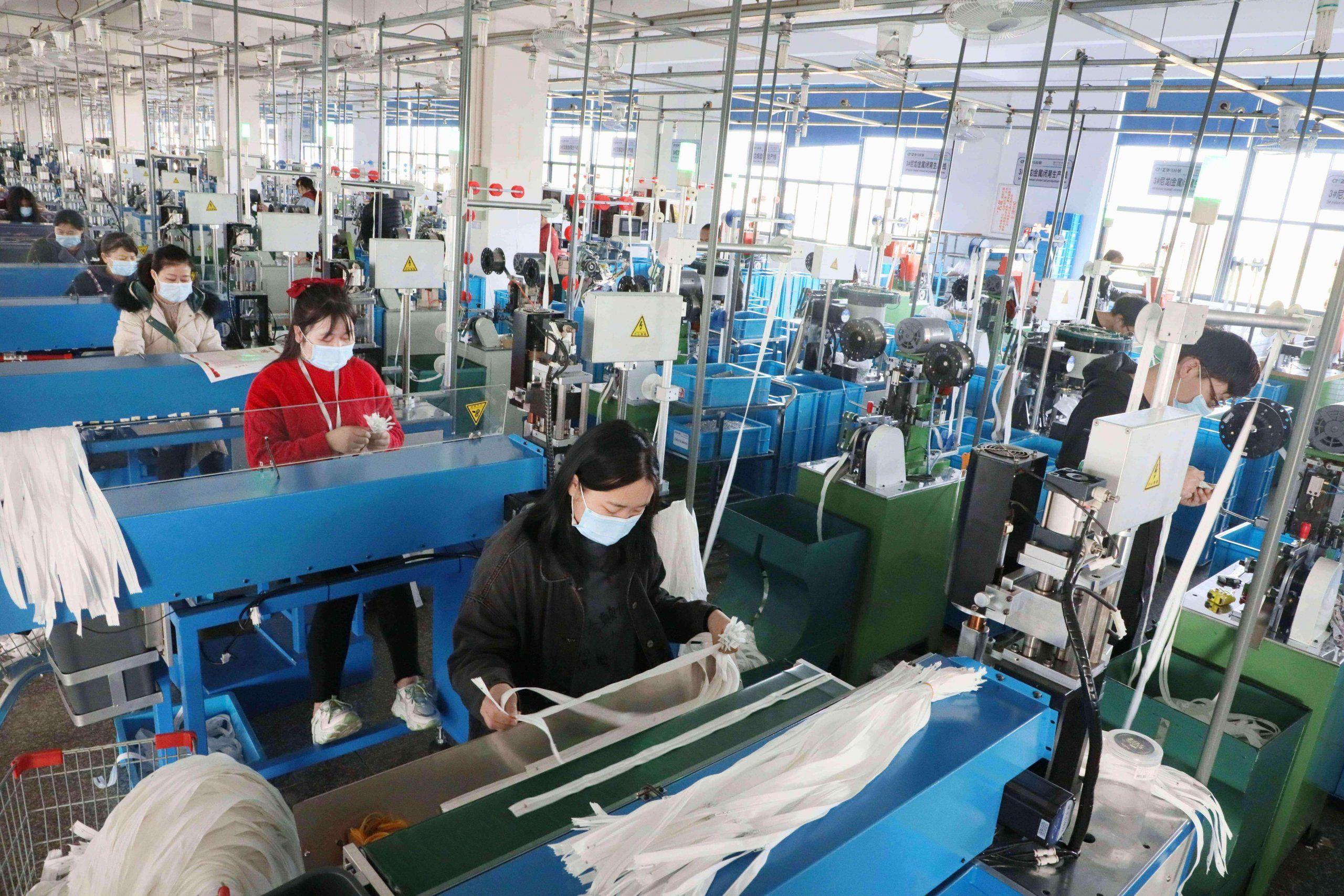 In Cina economia in ripresa: sale il Pil ma sotto le aspettative