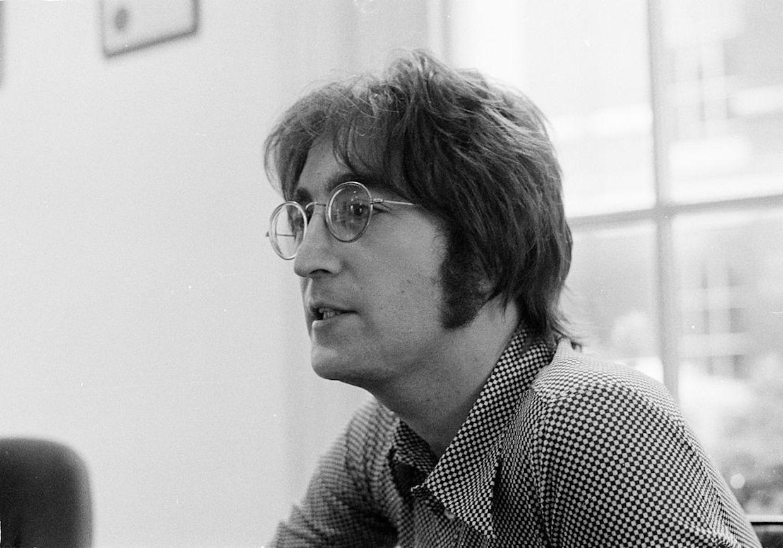 John Lennon, l'Empire State Building si tinge di blu per festeggiare i suoi 80 anni