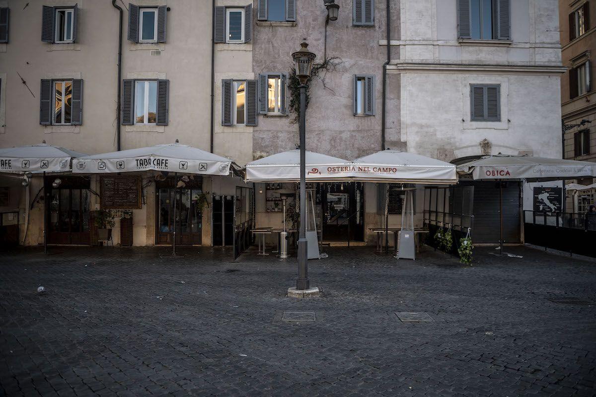 """Covid, da venerdì """"perimetrate"""" le piazze di Roma"""