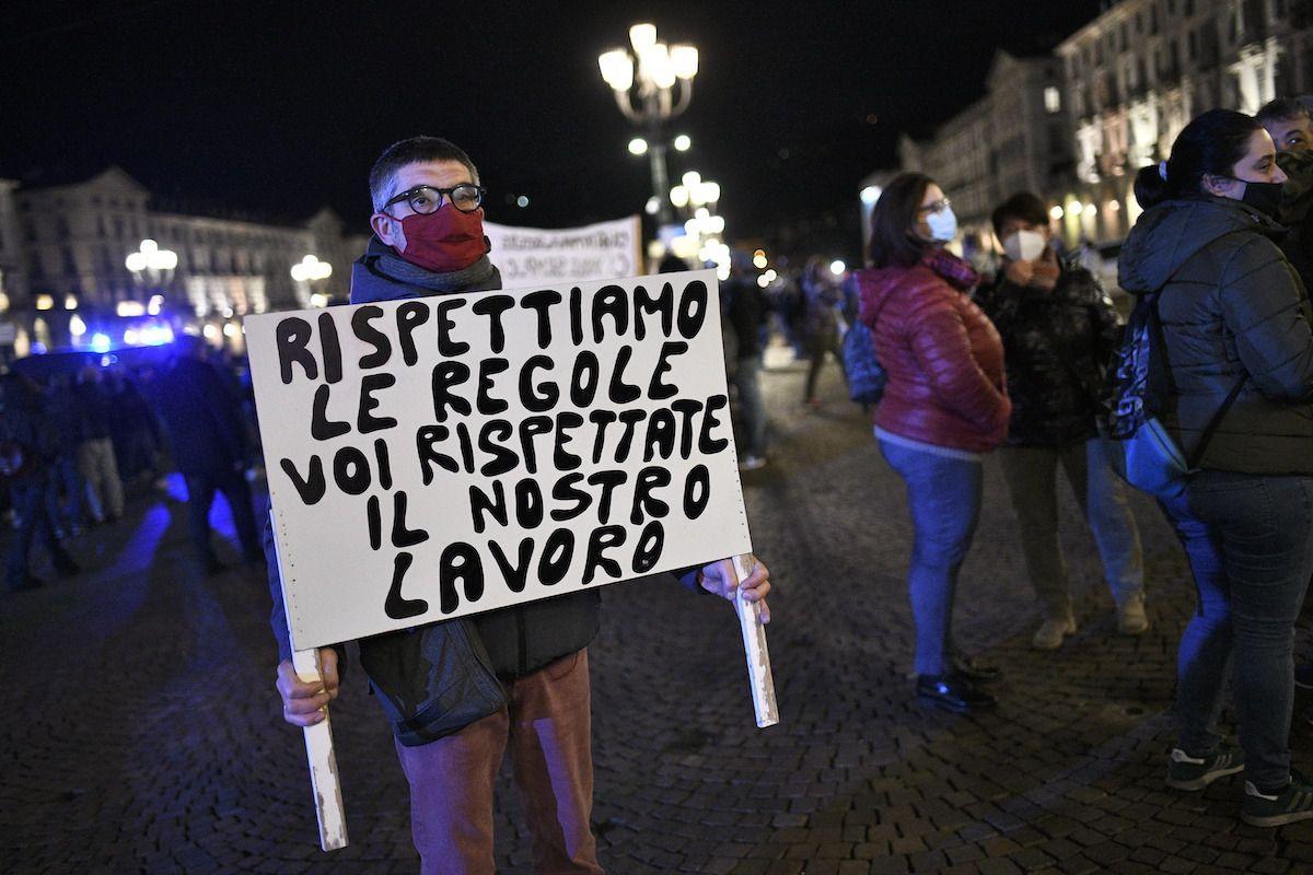 Manifestazioni in tutta Italia contro l'ultimo Dpcm del Governo Conte
