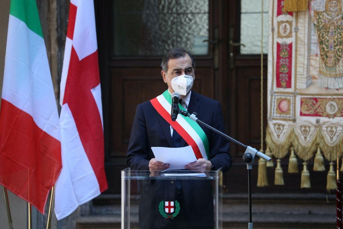 """Covid-19 Milano, Sala: """"Forze dell'ordine nelle zone della movida"""""""