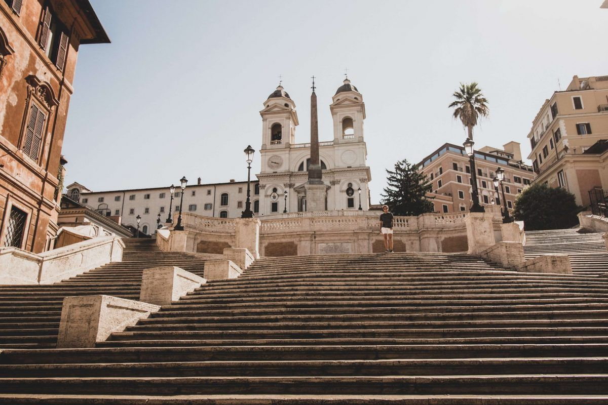 Piazza di Spagna a Roma vuota durante il lockdown