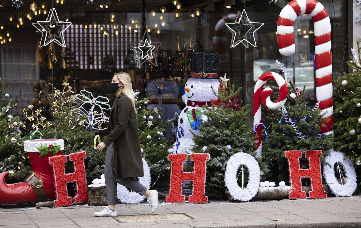 Ipotesi Dpcm Natale: coprifuoco anche a capodanno, no a spostamenti tra Regioni