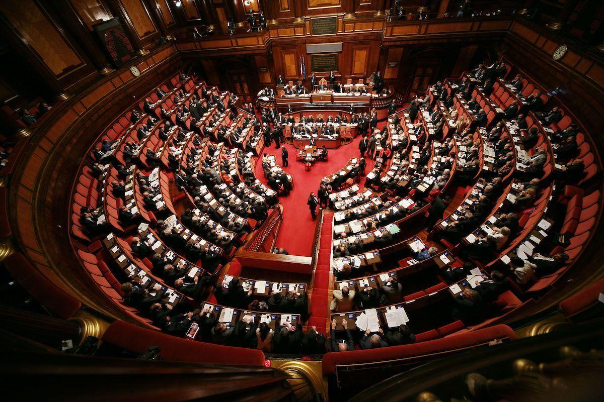 """No al Mes di 58 parlamentari M5S: """"Bloccheremo le Camere"""""""