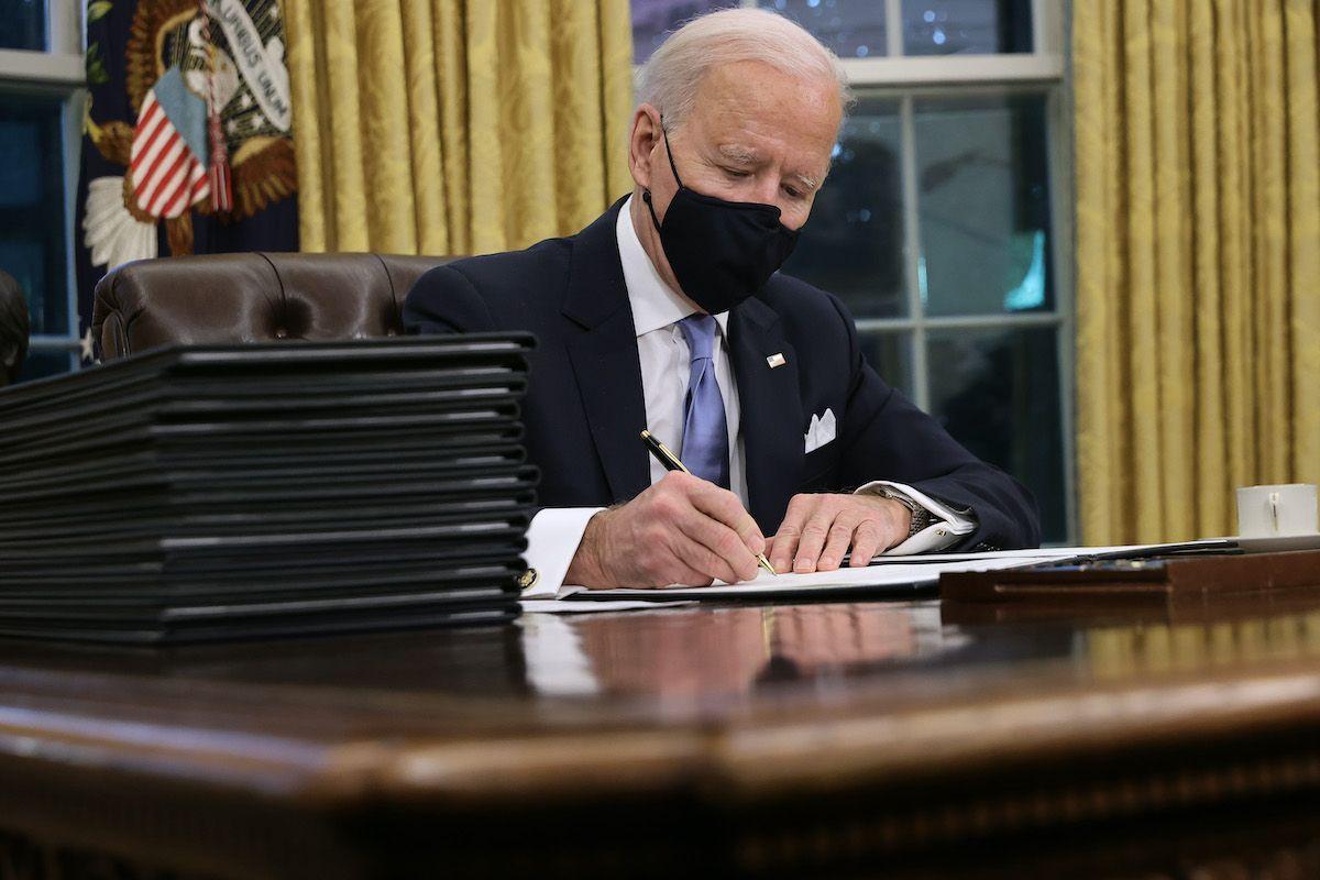 presidente degli Stati Uniti Joe Biden studio ovale casa bianca
