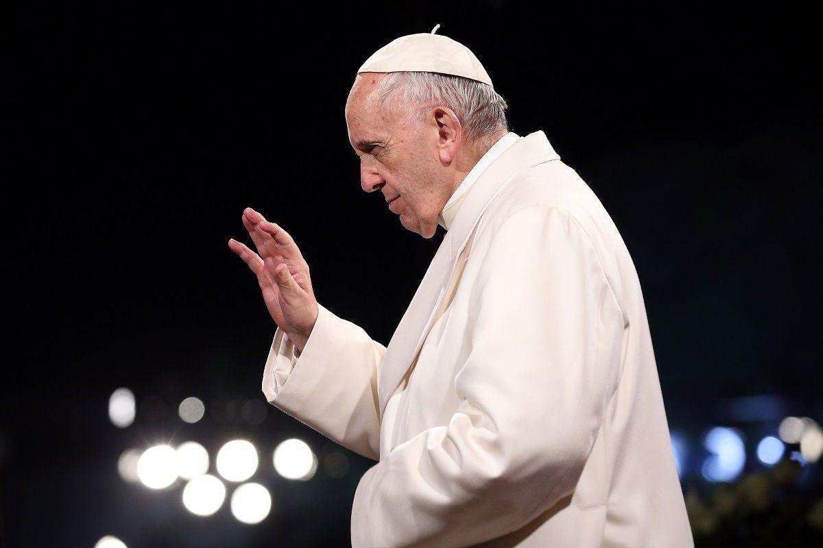 Il Vaticano dichiara illegittima la benedizione delle coppie omosessuali