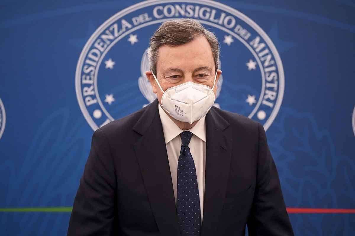 Draghi al Senato sulla riapertura delle scuole e sulla campagna vaccinale