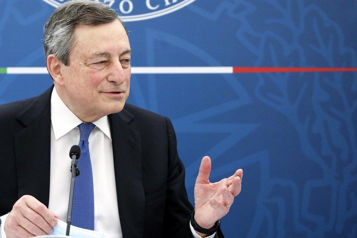 """Draghi annuncia le prossime riaperture: """"Si tratta di un rischio ragionato"""""""