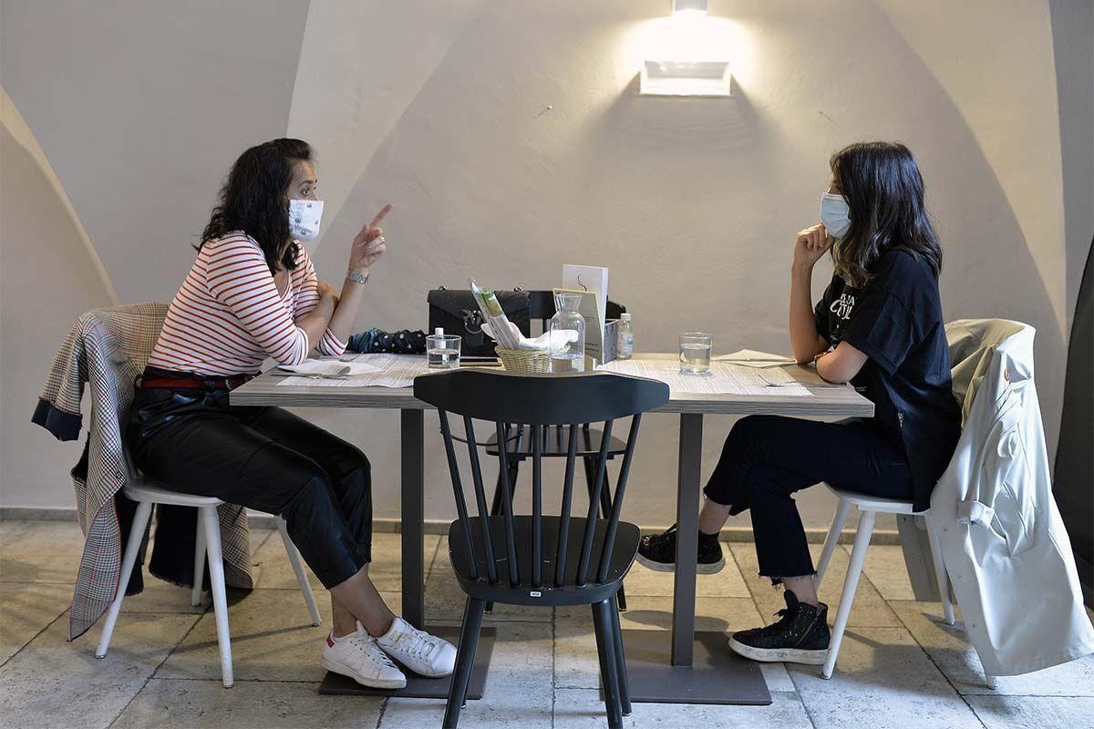 Riapertura bar e ristoranti, la bozza con le proposte delle Regioni
