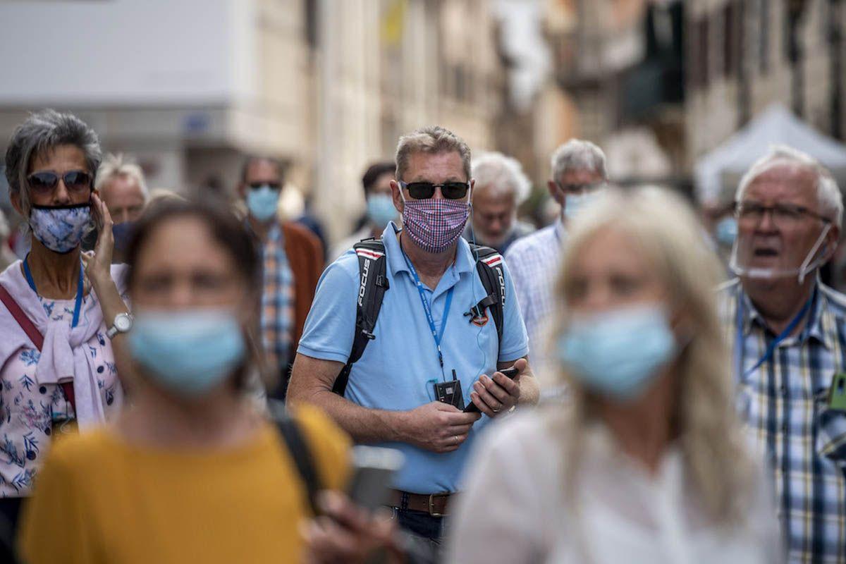 Stop alle mascherine all'aperto, oggi il parere del Cts
