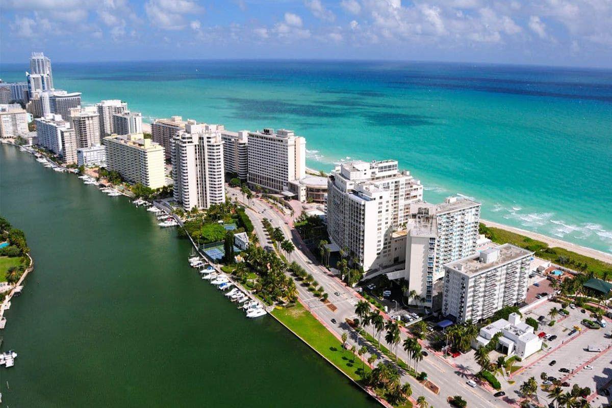 A Miami è crollata una palazzina di 12 piani