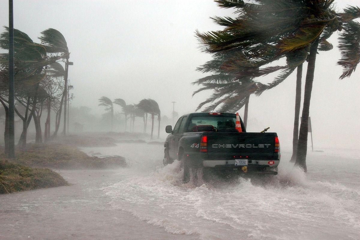 uragano henry