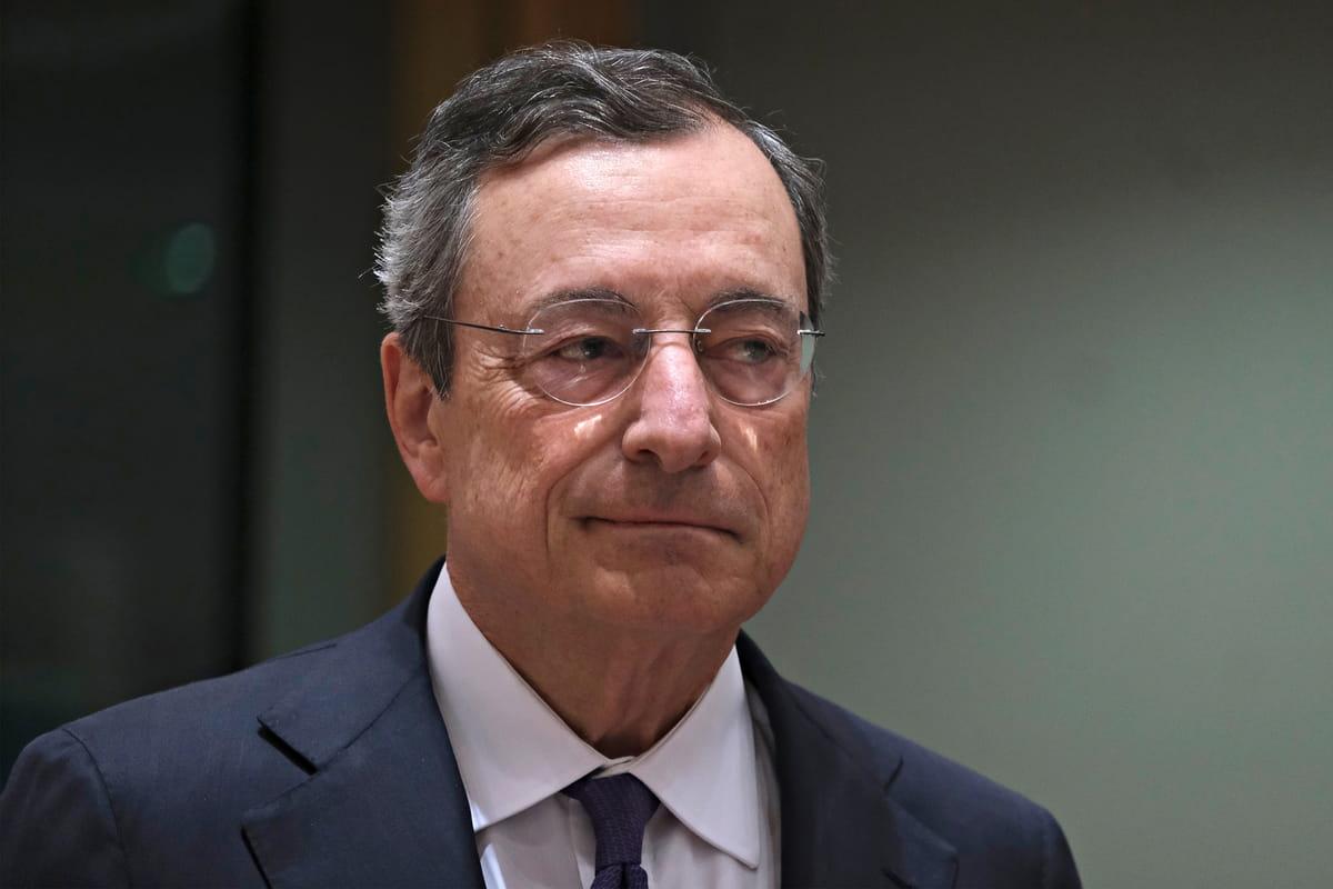 Il presidente del Consiglio Mario Draghi alle prese con la manovra economica