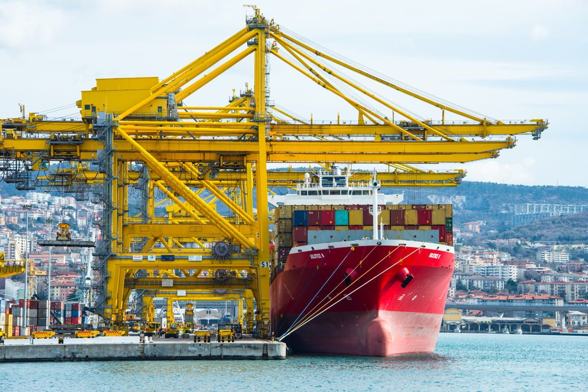 Foto del Porto di Trieste nel giorno delle proteste contro l'obbligo di Green Pass