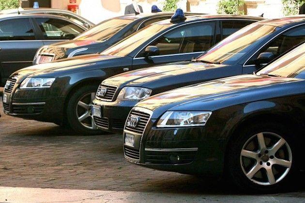 Auto blu in vendita su eBay: Renzi riesce a piazzarne solo 7