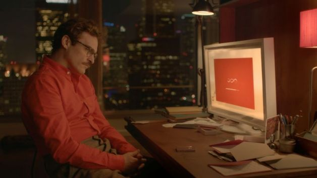 Lei: trailer italiano, trama e clip del film con Joaquin Phoenix e la voce di Scarlett Johansson
