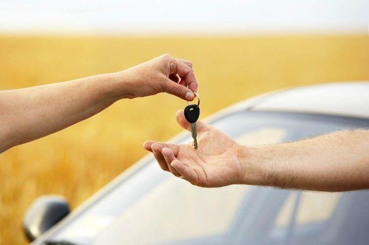 Auto usate, privati o concessionarie: quale comprare?